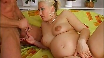 A pregnant expert in double penetration