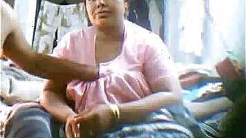Indian Aunty showing her full sexy miniskirt on cam