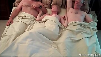Amateur CD girl had sex with maledom and ends with threesome