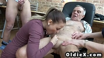 Condommes Step Momures Tease In A Foursome