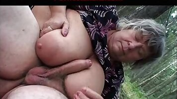Pussyplay with big tits booty granny gets fucked