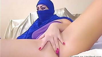 Arab Babe Fucked By Her StaffMember