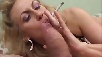 Chubby mature hottie is blowing cock proudly