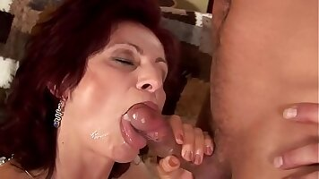 Hardcore squirting sex with mature Jazmine and her lovers boyfriend